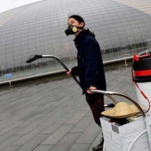 Nut Brother, l'aria di Pechino diventa mattone