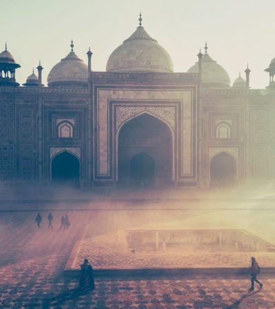 Il Taj Mahal cambia colore, la causa: l'inquinamento