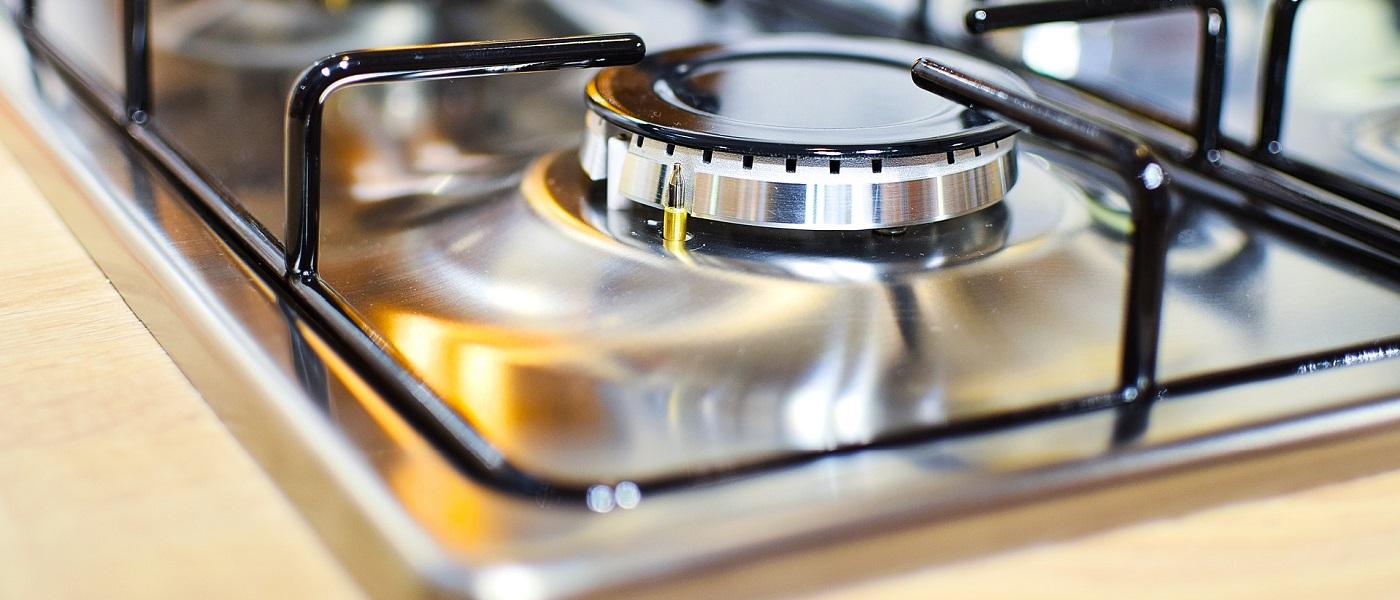 pulire l'acciaio della cucina