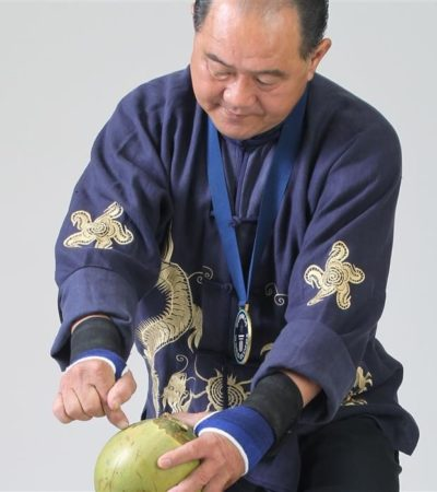 Ho Eng Hui e il suo dito d'acciaio