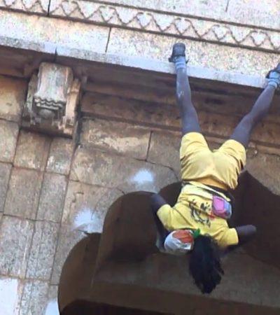 """Jyothi Raj, da aspirante suicida ad """"uomo scimmia"""""""