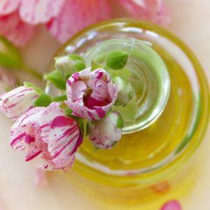 Oli essenziali afrodisiaci, ylang-ylang e non solo
