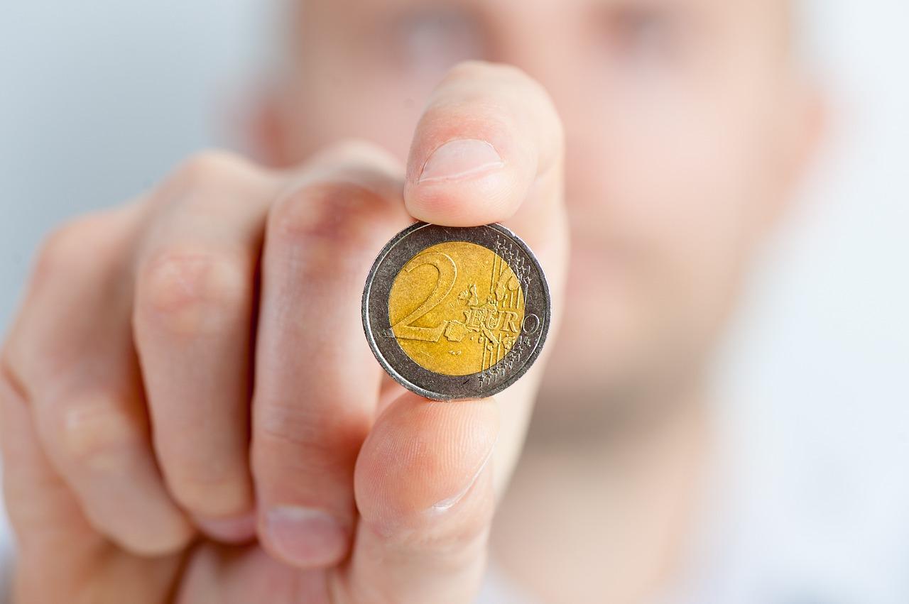 risparmiare moneta da 2 euro