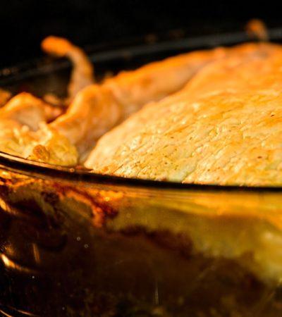 Torta salata di patate, zucchine e mozzarella