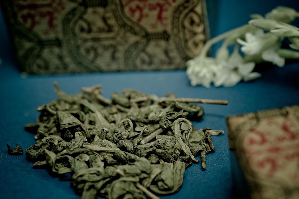 tè neri cinesi in foglie