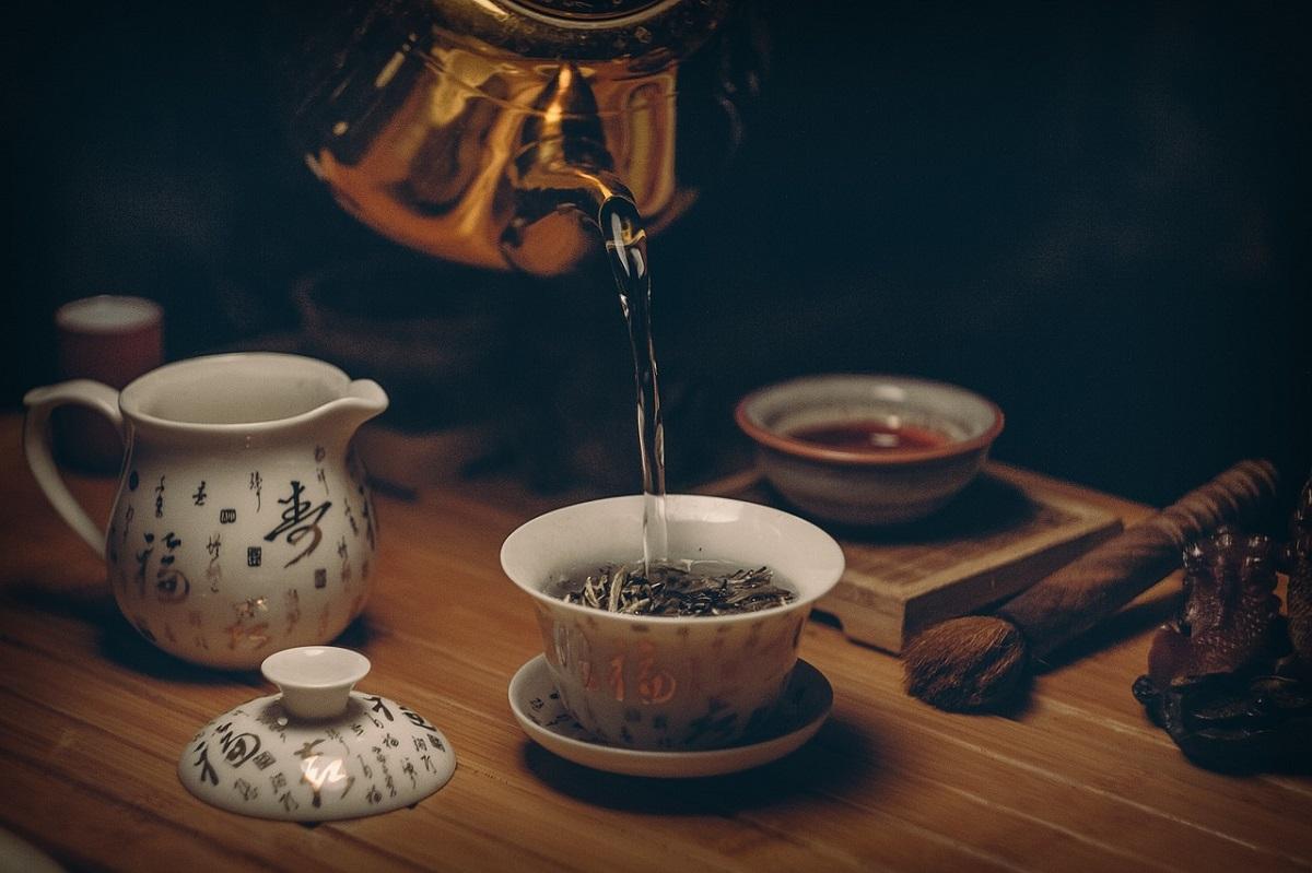 preparazione del tè acqua