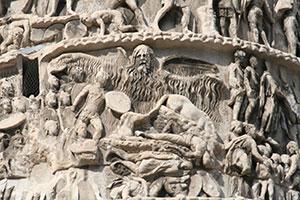 Particolare colonna aureliana