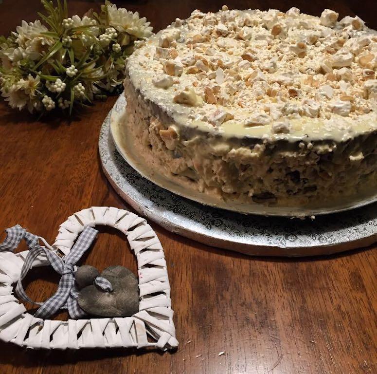 torta al cioccolato con ganache al cioccolato bianco