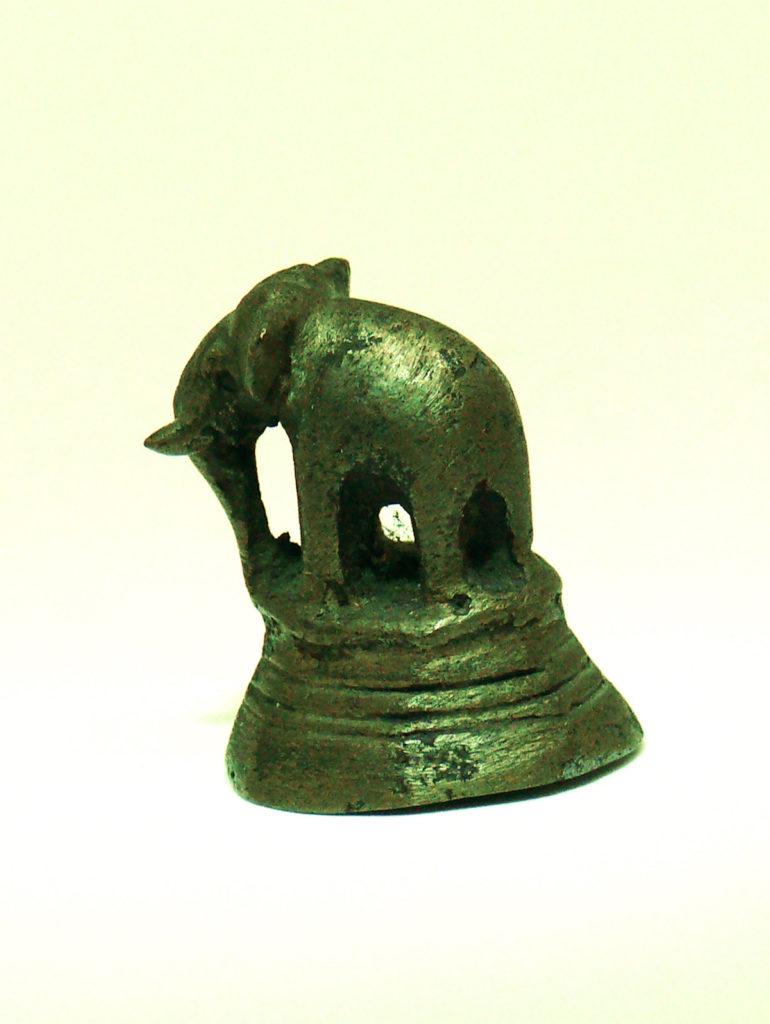 pesaoppio birmano con elefante