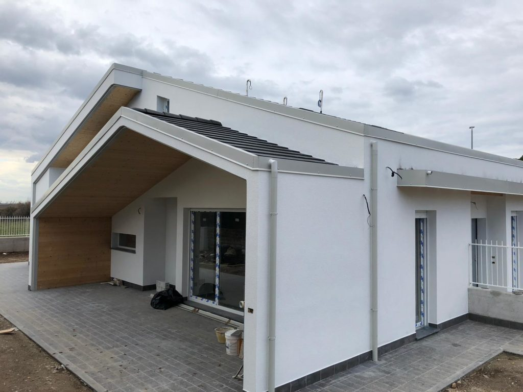 casa in legno in costruzione