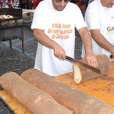 A Genzano di Roma la festa del pane casareccio